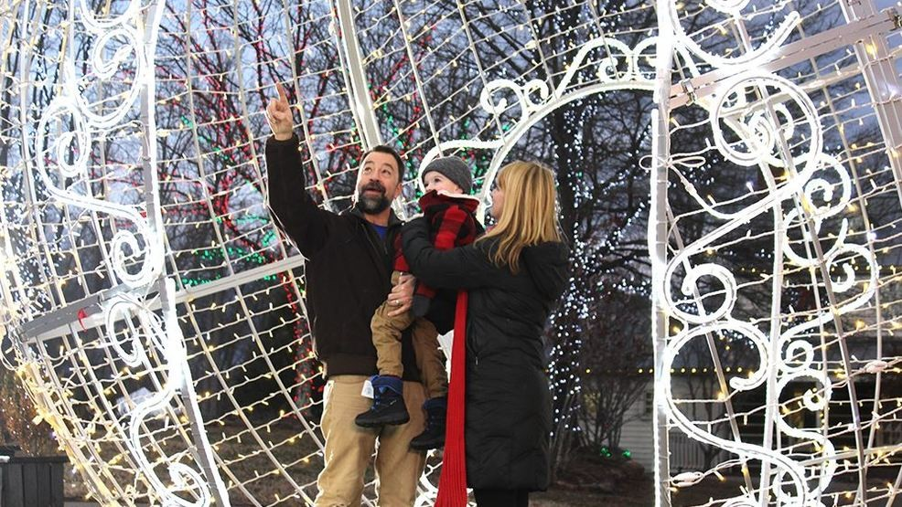 Half Of Christmas Lights Dont Work.Half Mile Long Christmas Lights Walking Tour Announced In