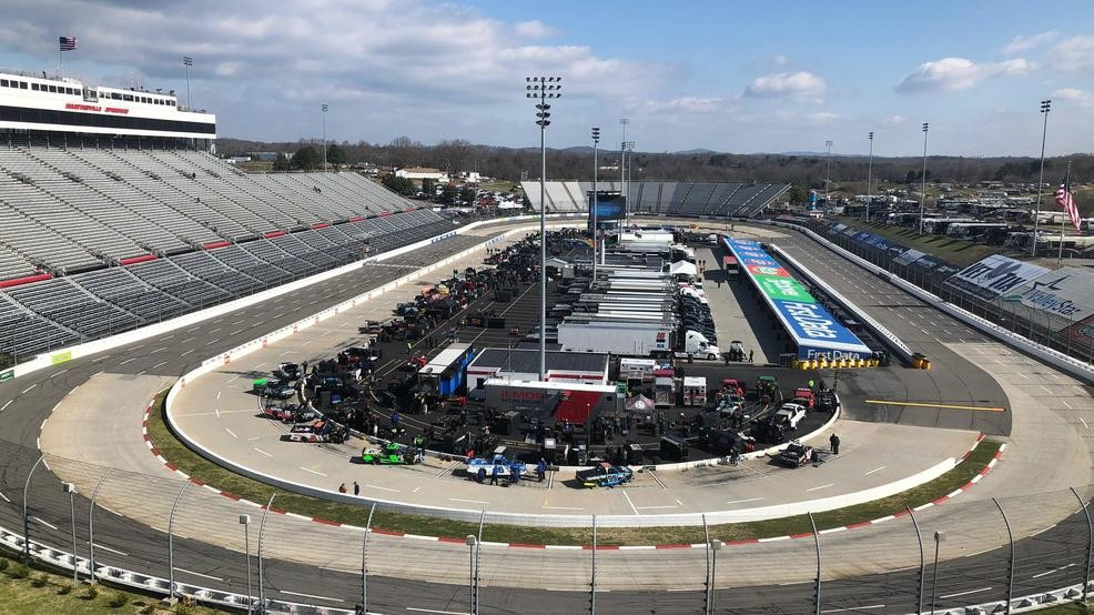 Martinsville Speedway To Host Nascar Rsquo S Penultimate Races Of The Season Wset