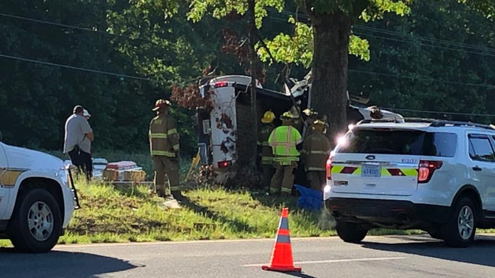 Police: 2 dead after truck loses control on Route 460, crashes into