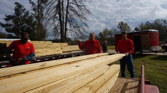 God's Pit Crew back in South Carolina, Setting Up New Mobile ... on design a mobile home, blocking a mobile home, setting footers for modular home,